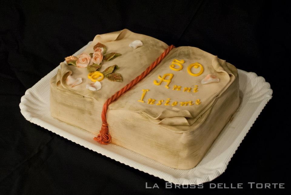 Tutorial: come fare una torta libro senza stampo
