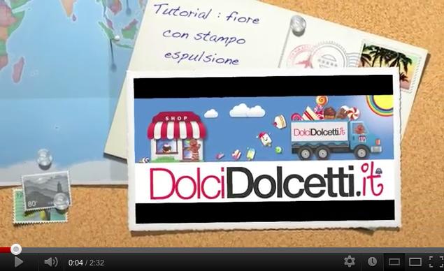 Video tutorial : come usare lo stampo a fiore con la pasta di zucchero