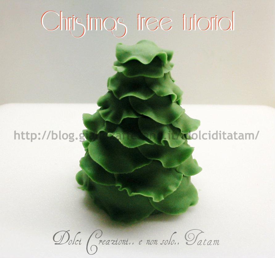 Tutorial: come fare un albero di Natale in pasta di zucchero in poche mosse
