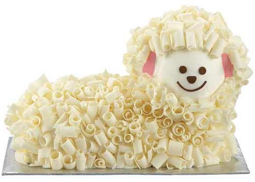 Torta a forma di agnello pasquale